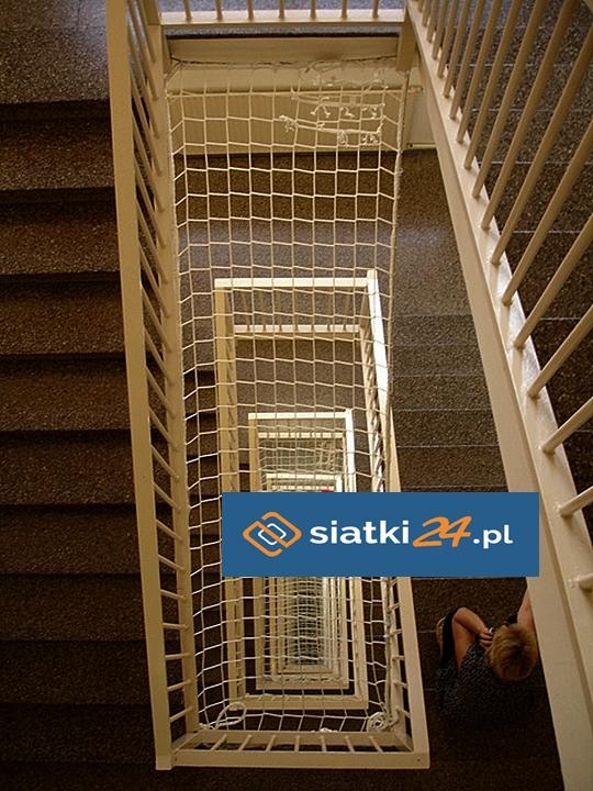 Zabezpieczenie schodów trwałą siatką PP